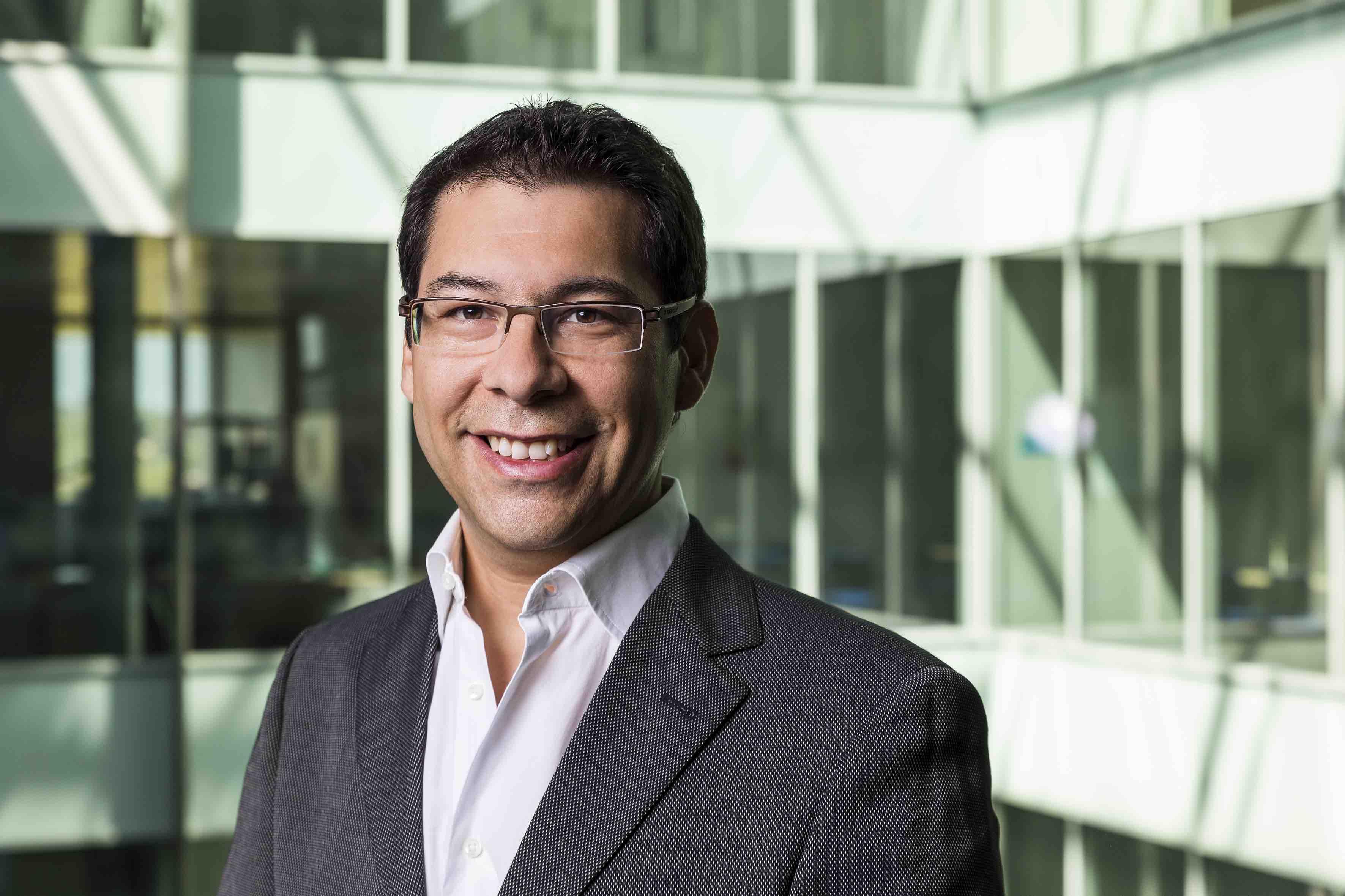 Dr. Juan Montoya-Burgos