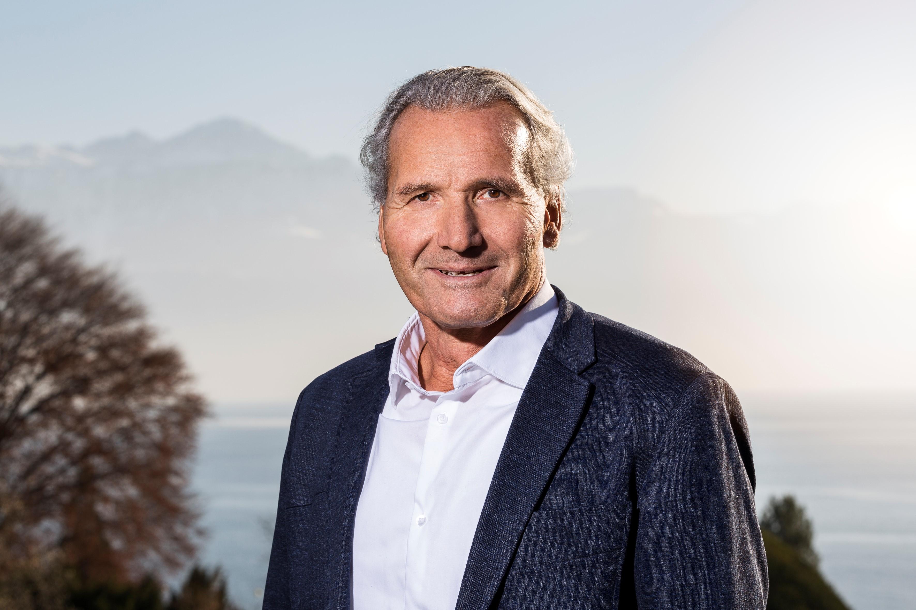 Dr. Peter Böhni
